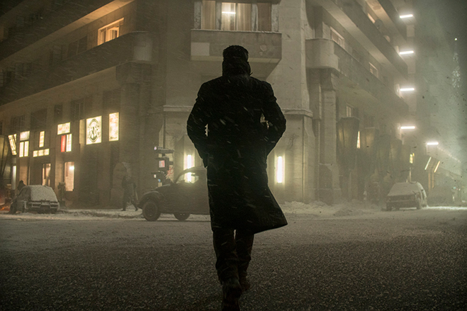 """RYAN GOSLING as K in Alcon Entertainment's action thriller """"BLADE RUNNER 2049,"""" a Warner Bros. Pictures and Sony Pictures Entertainment release, domestic distribution by Warner Bros. Pictures and international distribution by Sony Pictures."""